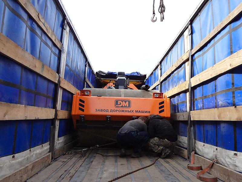 Грунтовый каток DM62 подготовлен к транспортировке
