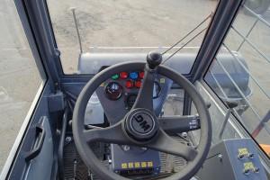 Органы управления подметальной машиной DM09