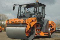 Дорожный каток DM-13-VD весом 13 тонн выпущенный на Заводе Дорожных машин