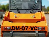 Дорожный каток DM-07-VC вид спереди