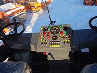 Органы управления дорожного катка DM-10-VD