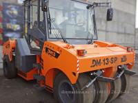 Пневмоколесный дорожный каток DМ-13-SP выезжает из сборочного цеха Завода Дорожных машин