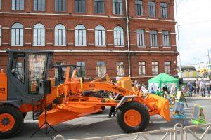 Грейдер DM-14 выставленный на День Города Рыбинска